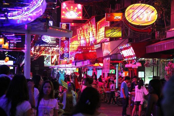 Chợ đêm Patpong tại Bangkok
