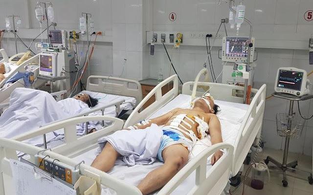 Một trong 2 bệnh nhân đang được cấp cứu tại bệnh viện hữu nghị đa khoa Nghệ An