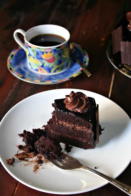 Figaro's Grand Xocolat Gateau