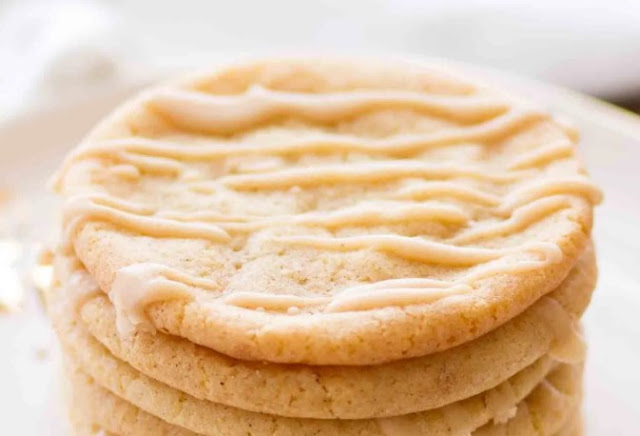 Frosted Maple Snickerdoodles #cookies #desserts