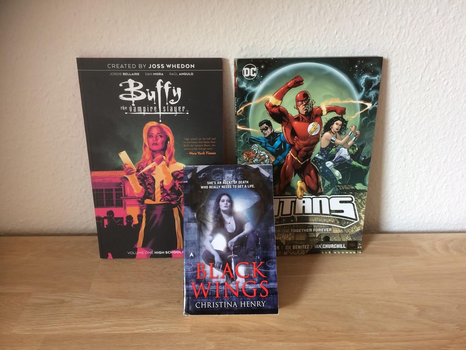 dc07ec707d4 Og sidst, men bestemt ikke mindst, købte jeg 1 enkelt bog og 2 graphic  novels hos Fantask. Bogen er: