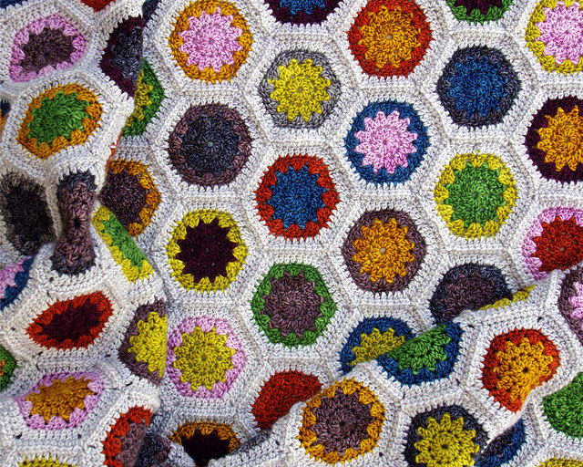 Hexie Love Actually Crochet Blanket | © Red Pepper Quilts 2017