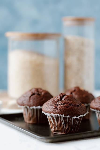 Muffin semplici al cioccolato