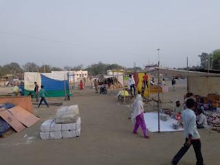 बाला काँवर के मेला कार्यक्रम में दुकानदारों की काटी जा रही बिना सासन की अनुमति से रसीदे