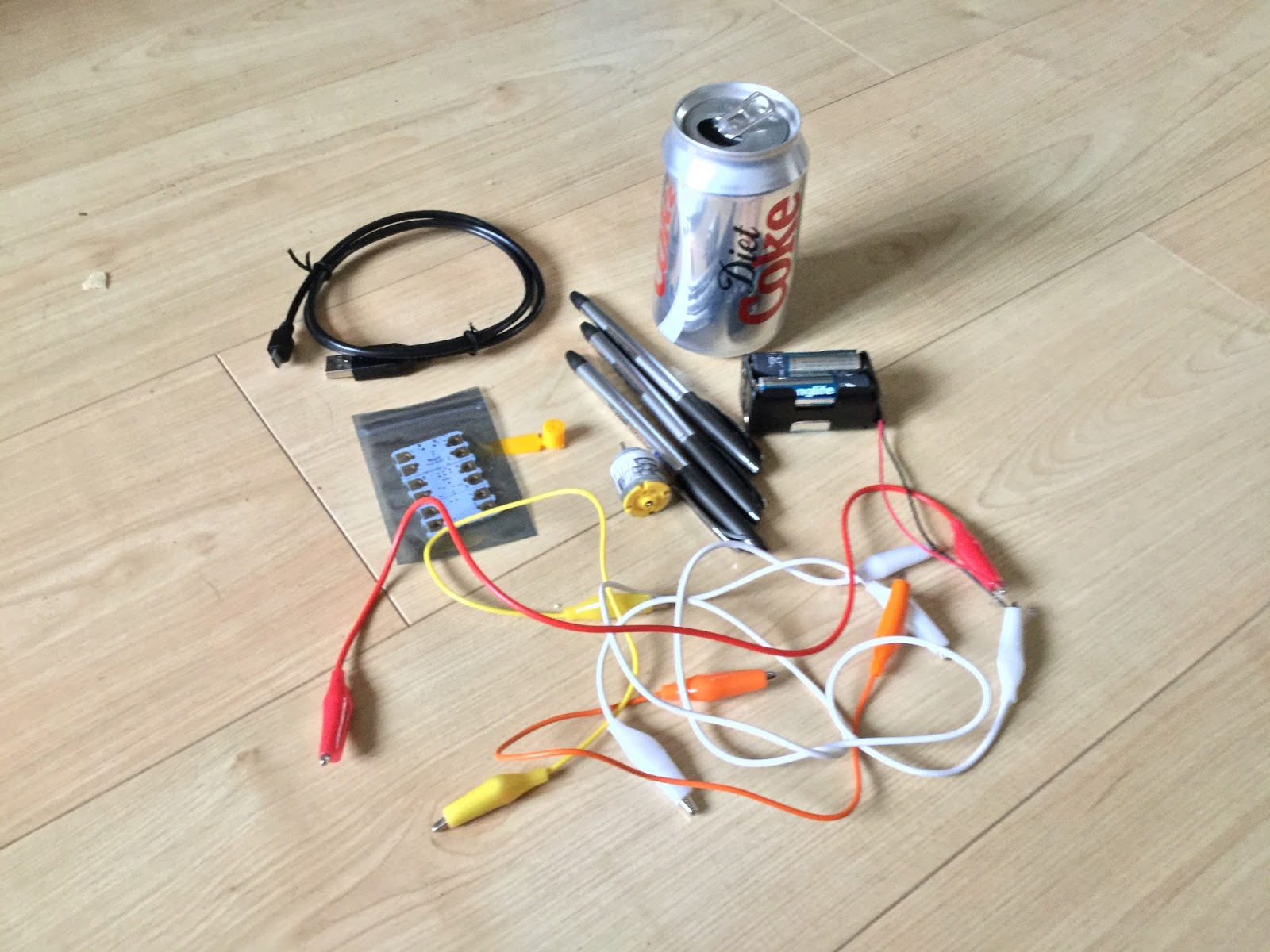 Mini project: Controllable (sort of) junkbots | Computing in ...