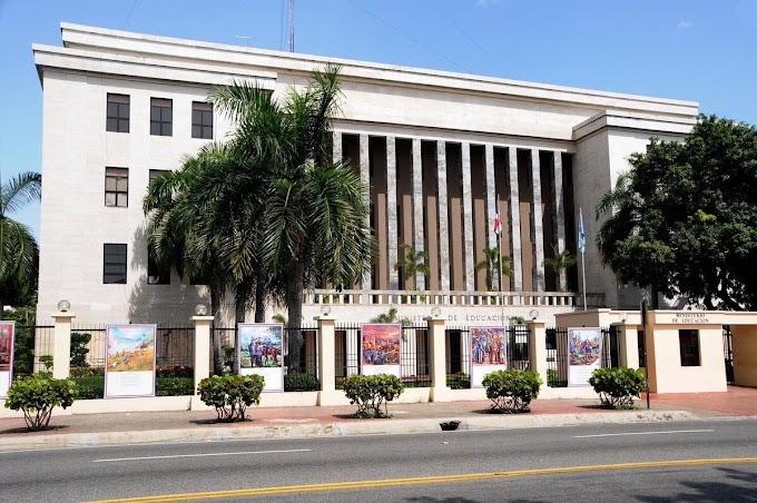 Ministerio Educación  dice ha entregado este año más de mil 99 millones de pesos a maestros jubilados