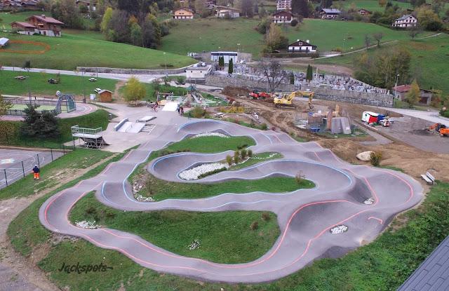 Skatepark combloux drone