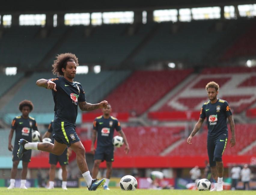 Seleção Brasileira faz último treino antes de amistoso com a Áustria ... 2f12026b7265e