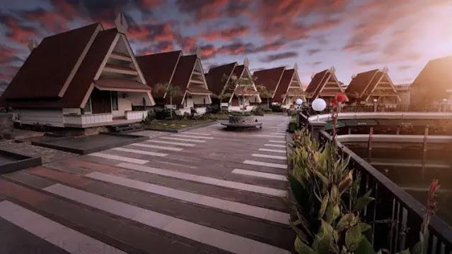 Triple 8 Riverside Resort