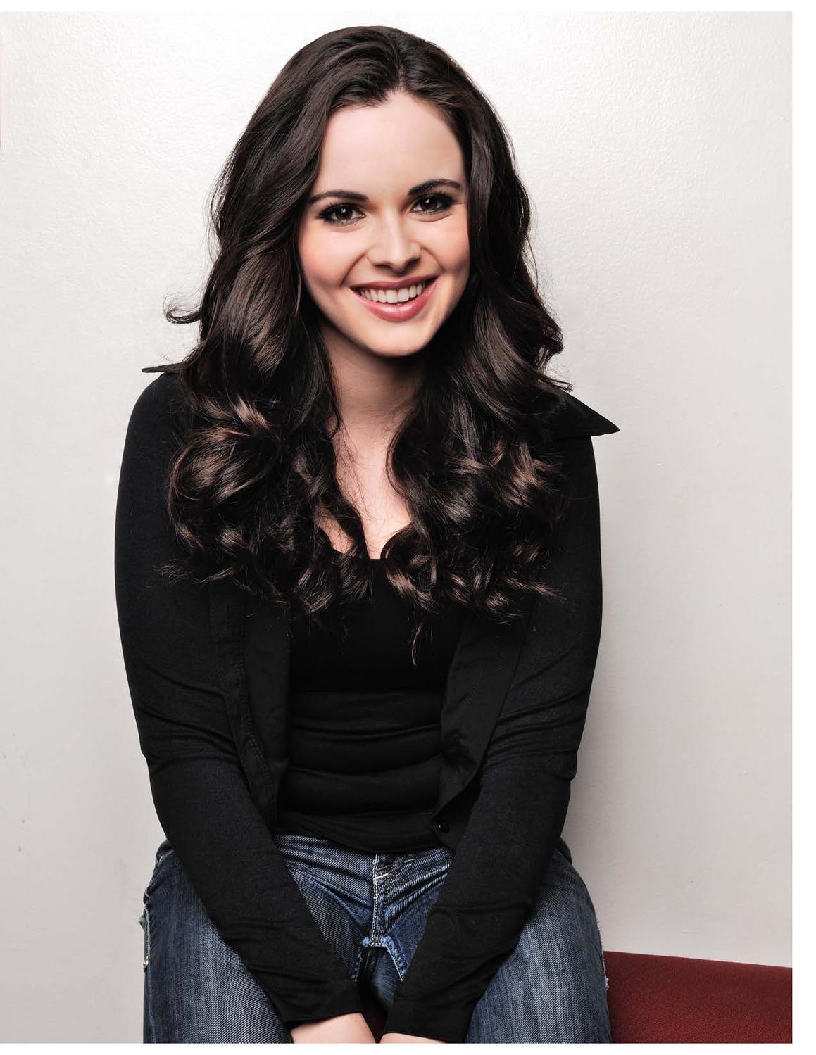 Celebrity Pics: Vanessa Marano