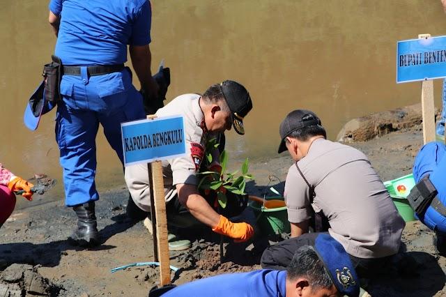 Gerakan Penghijauan, Kapolda Tanam Mangrove