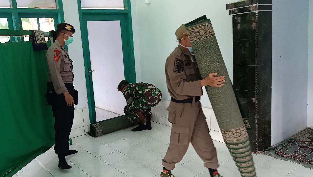 Tim Gugus Tugas Intensifkan Patroli Cek Fasilitas Umum Cegah Covid- 19