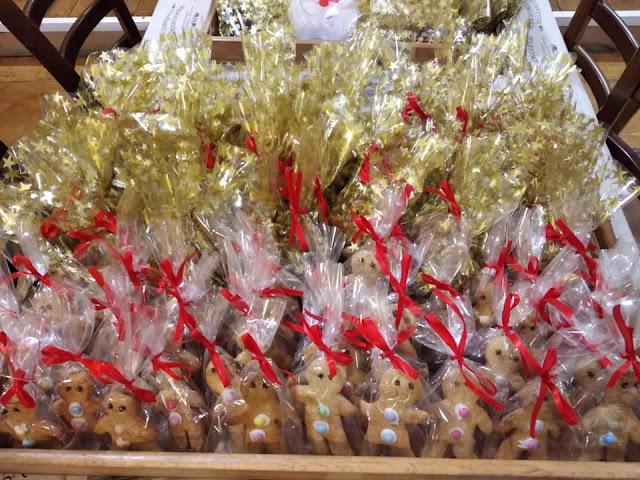 Ήγουμενίτσα: Μαμάδες της Ηγουμενίτσας έφτιαξαν γλυκίσματα και τα προσέφεραν σε Κοινωνικό Παντοπωλείο
