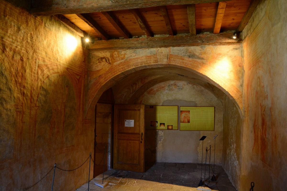 salle des fresques commanderie Sainte-Eulalie