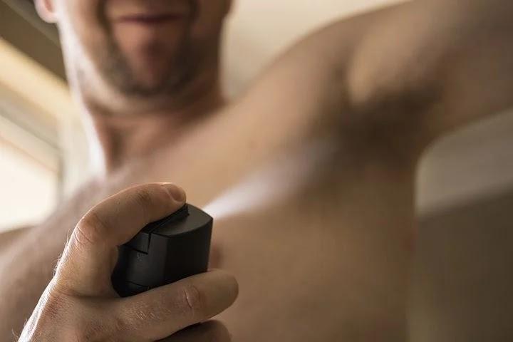 7 Cara Paling Ampuh Menghilangkan Bau Badan Seketika!
