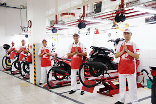 Peringati Hari Kartini, Astra Motor Sumsel Berikan Hadiah untuk Konsumen Wanita