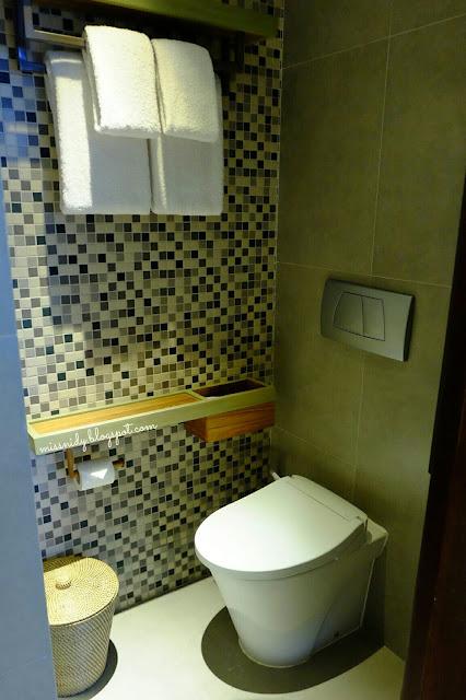 review hotel tijili seminyak bali