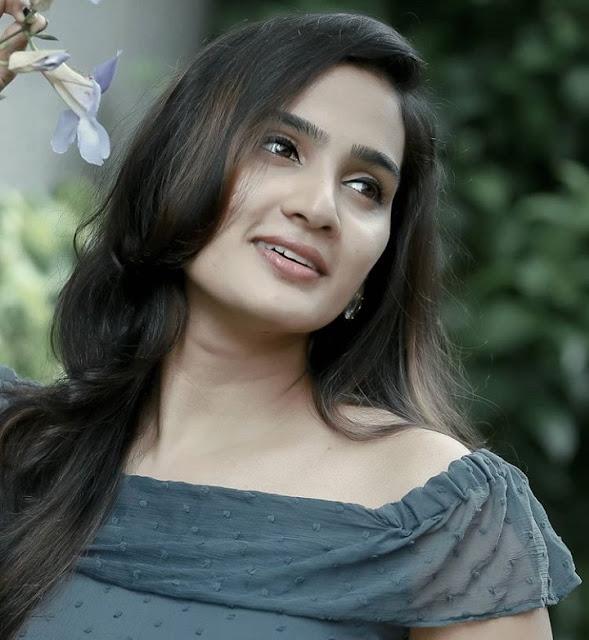 Indian Actress Aditi Ravi Photos