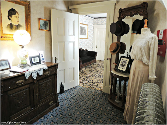 Lizzie Borden Bed & Breakfast Museum: Recibidor
