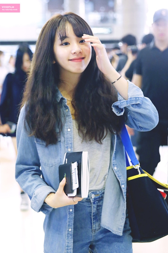 twice chaeyoung airport fashion official korean fashion