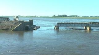 Retiraron una parte del puente del ferrocarril