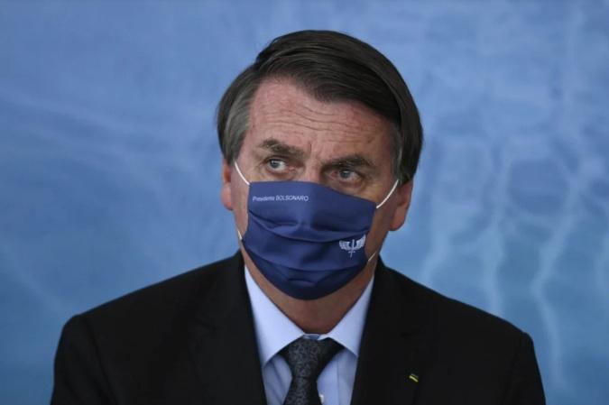 'Só Deus me tira da cadeira presidencial', diz Bolsonaro sobre impeachment