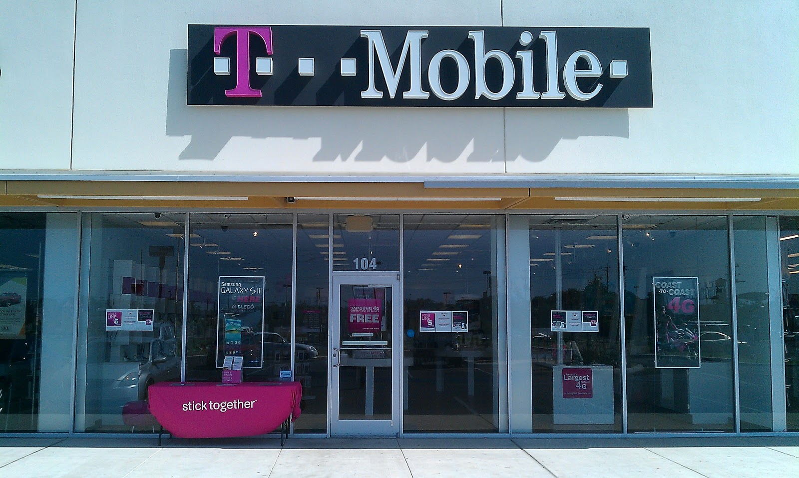 Find a T-Mobile store near you to upgrade your mobile phone or to switch your phone plan provider quickly and easily.