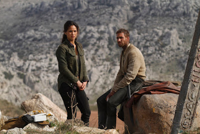 Adria Arjona and Oliver Jackson-Cohen in Emerald City Series (4)