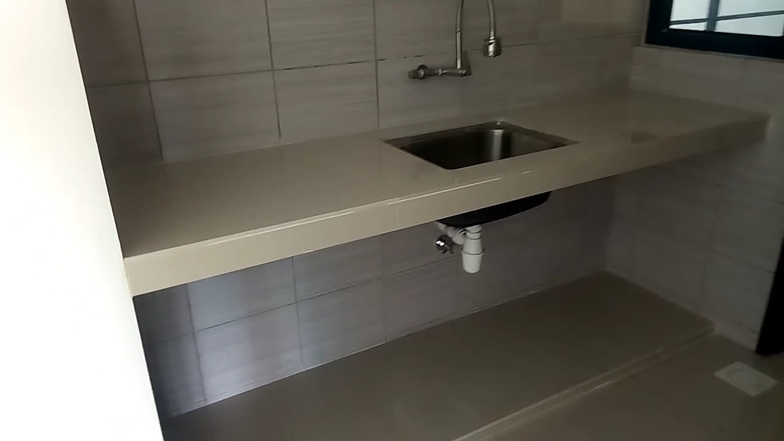 Table Top Kitchen Meja Dapur Konkrit Tile Warna Cerah Satu