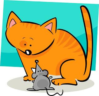 El gato y el ratón son amigos y juegan