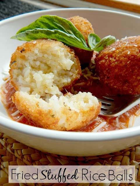 fried stuffed rice bowls arancini de riso (sweetandsavoryfood.com)