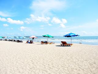 Berkunjung ke Pantai Kuta Bali