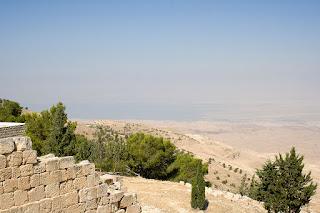 Sermão: Atravessando o Rio Jordão - Josué 3: 14-17