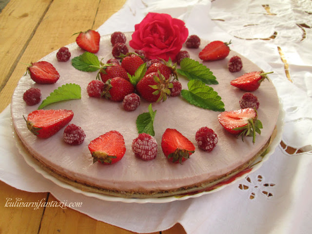 Веган торта с ягоди по идея на шеф Силвена Роу