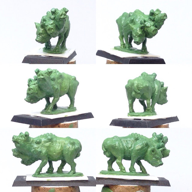 Philip Hynes: Cool Oldhammer Three Headed Chaos Pig
