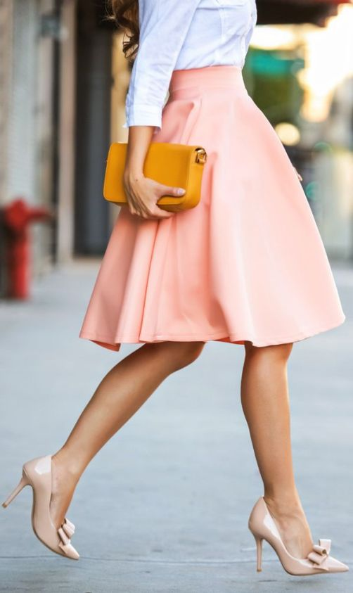street style: pretty spring look with peach skirt and bow heels