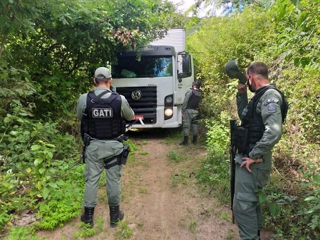 PM libera motoristas e recupera carga avaliada em um milhão em Pesqueira, PE