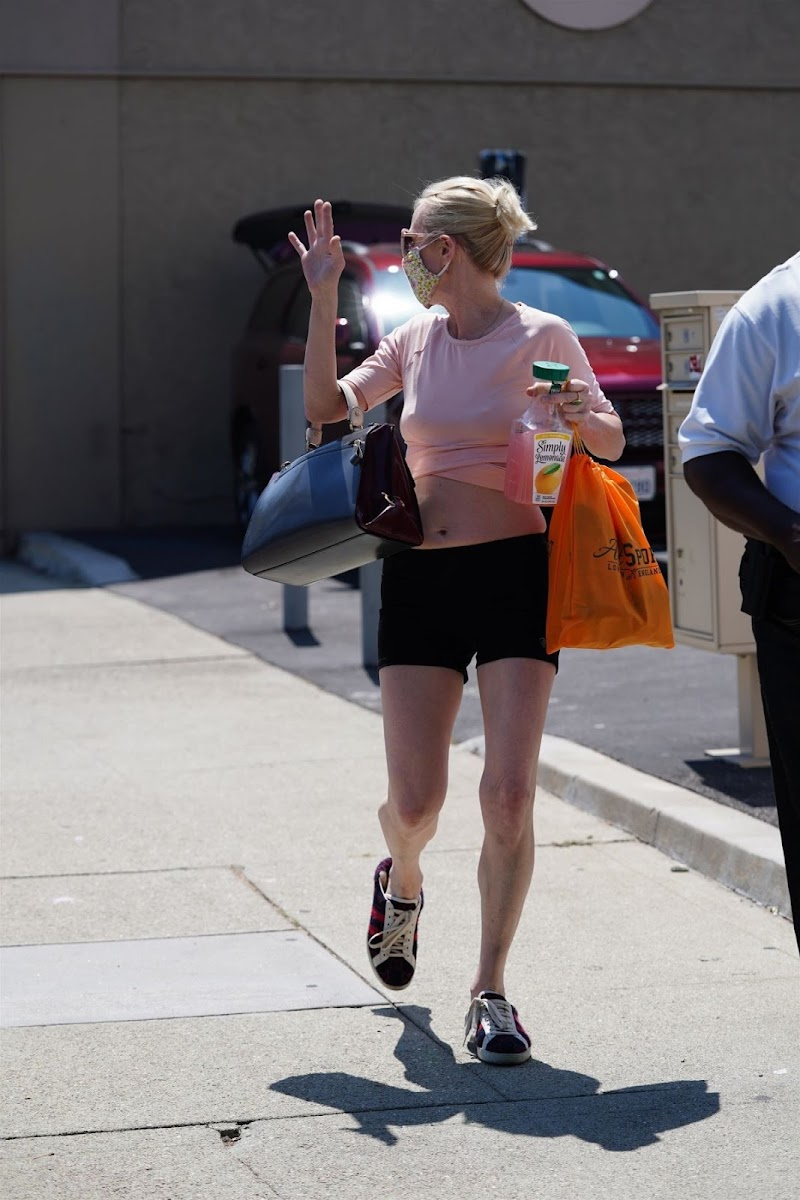Anne Heche Arrrives at Dancing with the Stars Rehearsal in Hollywood 4 Sep-2020