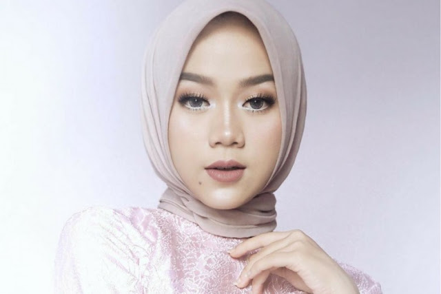 Cara Memakai Makeup Wardah Simple Look