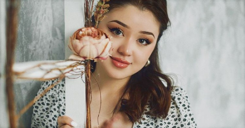 10 Foto Cantik Dayana, Wanita yang Dicintai dan Dibenci Netizen Indonesia