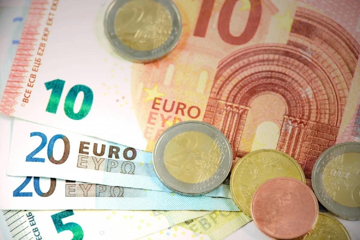 Πιστώνεται σήμερα το επίδομα 800 ευρώ - Ποιους αφορά!