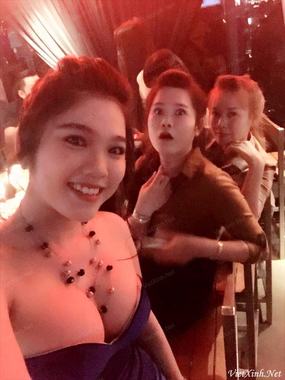 Trần Ngọc Loan (Lona) - Em sinh ra là để khoe vếu nhé anh