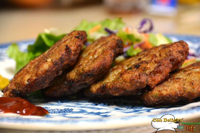 קציצות עוף לא בתנור, כי מטוגן הכי טעים :-) NO baked chicken patties, cause fried is the best