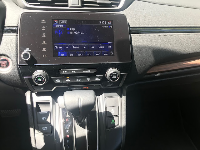 Infotainment, HVAC and shifter in 2020 Honda CR-V Touring