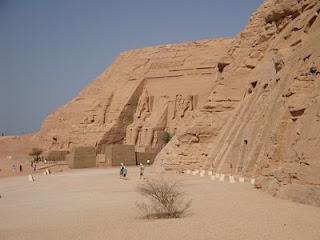 Ramsés II e Nefertari