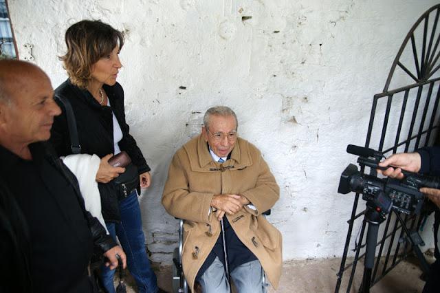 f4a5ef7a1a6 Ο 95χρονος Γεώργιος Αναστασιόπουλος, πολεμιστής στο έπος του '40, έκλεψε  την παράσταση στις φετινές εκδηλώσεις που έγιναν στην Αλβανία για την  επέτειο του « ...