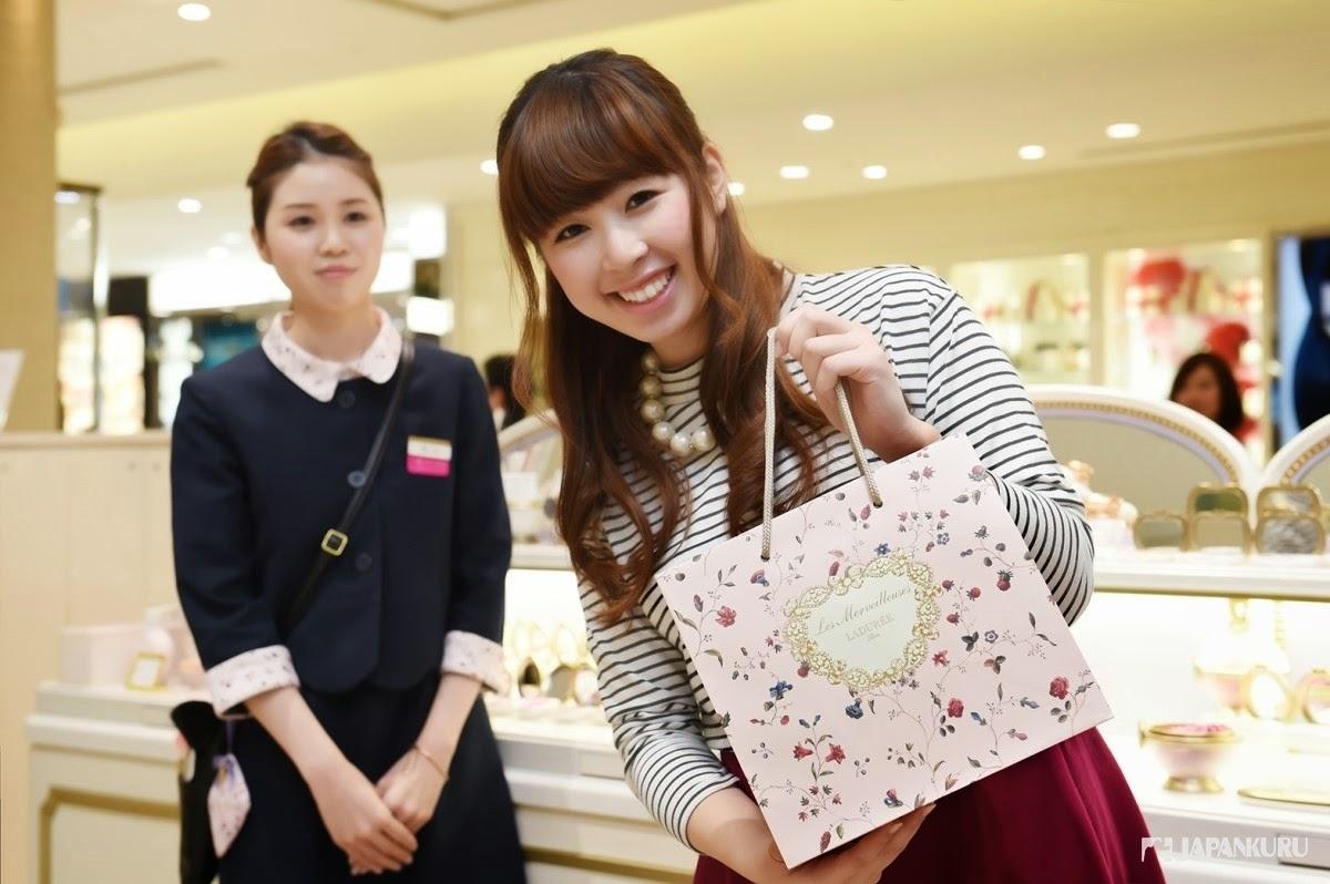 Japankuru Shopping Lovely Cosmetics Brand Les Merveilleuses Laduree Cheek Brush At Last We Decide To Buy Cream Base Face Color Rose Ladure Pressed And Matte Rouge