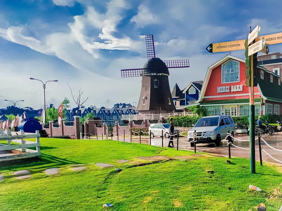 Taman Wisata Merci Barn Taman Wisata Bermain Air Medan