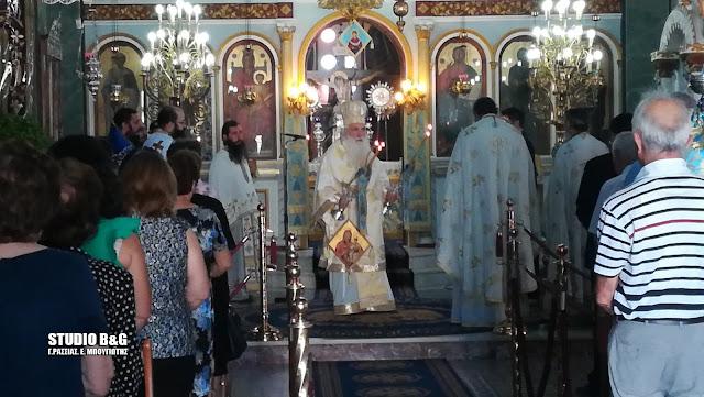 Αρχιερατική Θεία Λειτουργία στη Νέα Τίρυνθα για την Τιμία Ζώνη