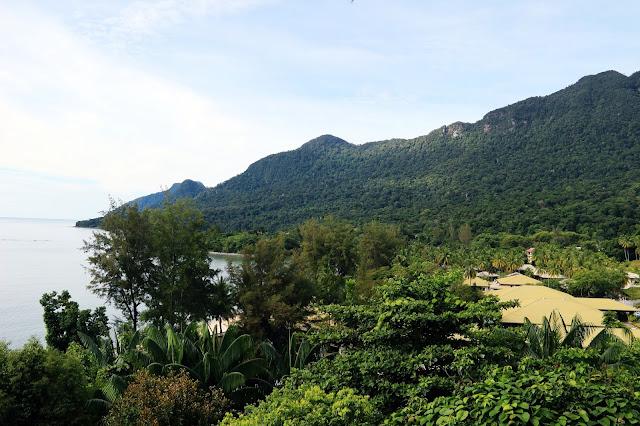 Pemandangan langsung dari Balkon Deluxe Room Top Hill Damai Beach Resort